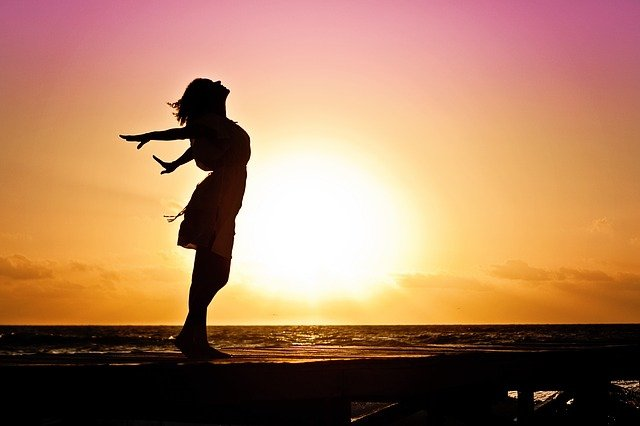 Aby jednak nasze życie miało jakiś głębszy sen, należy nim odpowiednio pokierować. Z tego artykułu dowiesz się, jak napisać własny życiorys, aby być z życia zadowolonym.